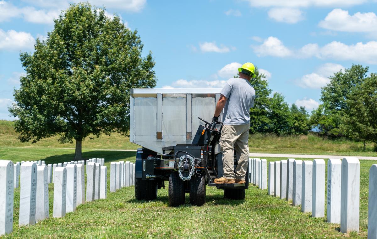 veterans cemetery equipter rb3000 trailer